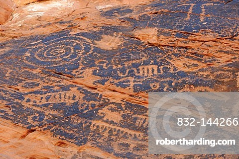 Rock carvings or petroglyphs of Native Americans, from around 1100, Valley of Fire State Park, Nevada, USA, North America