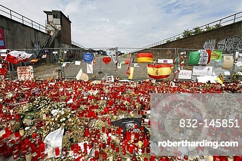 Hundreds of candles to remember the victims of the crowd crush at the Loveparade 2010, Duisburg, North Rhine-Westphalia, Germany, Europe