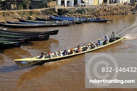 Motorboat transporting Burmese passengers, Nan Chaung main canal, Nyaungshwe or Nyaung Shwe, Inle Lake, Shan State, Myanmar, Southeast Asia, Asia