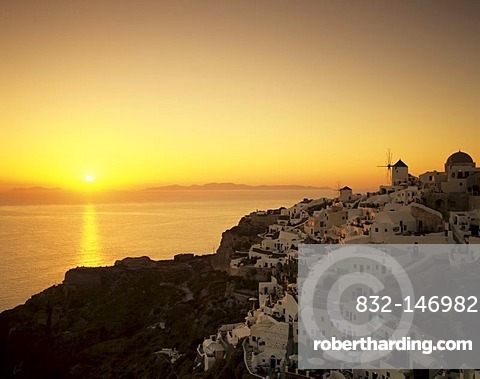 Oia at sunset, Santorini, Cyclades, Greece, Europe