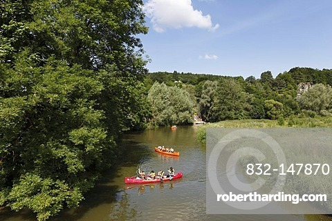 Canoes on the Altmuehl river, Altendorf, Altmuehltal region, Upper Bavaria, Bavaria, Germany, Europe