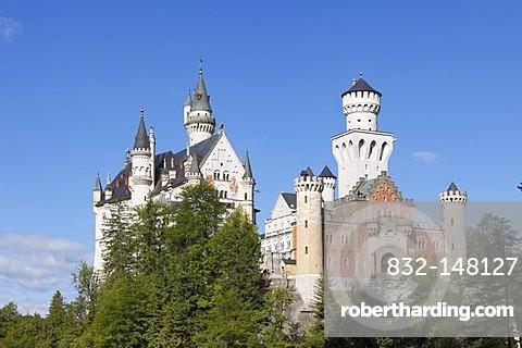 View from the east, Schloss Neuschwanstein Castle, Ostallgaeu, Allgaeu, Schwaben, Bavaria, Germany, Europe