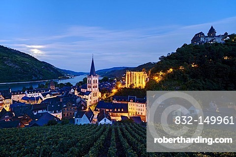 View of Bacharach am Rhein, with St. Peter's Church, Werner Chapel and Burg Stahleck Castle, Rhineland-Palatinate, Germany, Europe