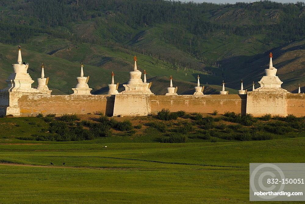 Stupas on the outer wall of Erdene Zuu Khiid Monastery, Karakorum, Kharkhorin, Oevoerkhangai Aimak, Mongolia, Asia