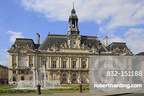 City Hall, Hotel de Ville, Tours, Inde-et-Loire, Region Centre, France, Europe