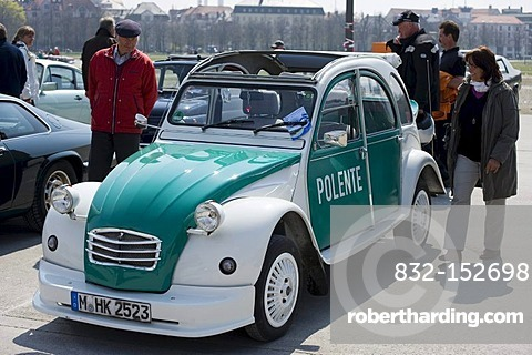 2 VC Citroen, deux chevaux, classic car show, Theresienwiese area in Munich, Bavaria, Germany, Europe
