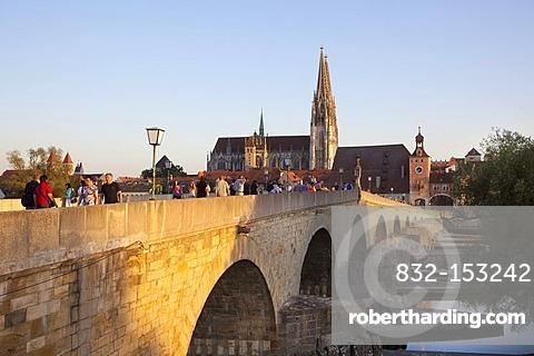 Stone Bridge, Regensburg Cathedral of Saint Peter, Regensburg, Bavaria, Germany, Europe