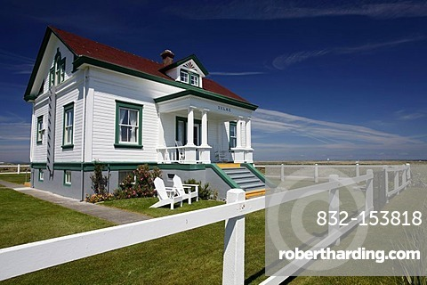 House, Dungeness Lighthouse on the sandspit of Olympic Peninsula, Sequim, Washington, USA