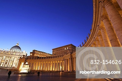 St. Peters Square and Apostolic Palace at night, Vatican City, Rome, Latio, Italy, Europe