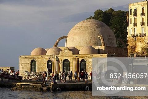 Janissaries mosque or Kioutsouk Hassan Tzamissi mosque, Chania, Crete, Greece, Europe