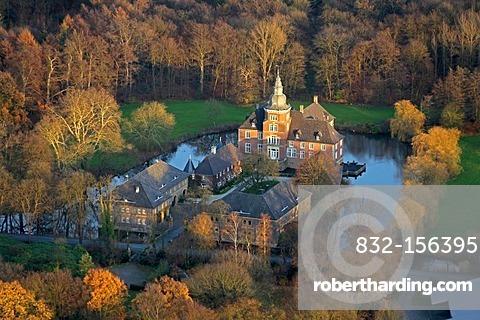 Aerial view, Wasserschloss Vinnum moated castle, Olfen, Muensterland region, North Rhine-Westphalia, Germany, Europe