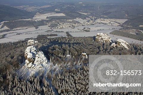 Aerial photo, Bruchhauser Steine, four large porphyry rocks located on a mountain, snow, winter, Olsberg, Sauerland, North Rhine-Westphalia, Germany, Europe