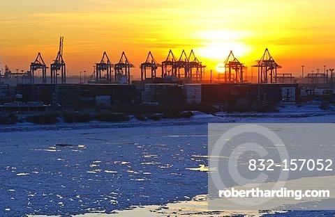 Sunset in the wintery port of Hamburg, Elbe river, Hamburg, Germany, Europe