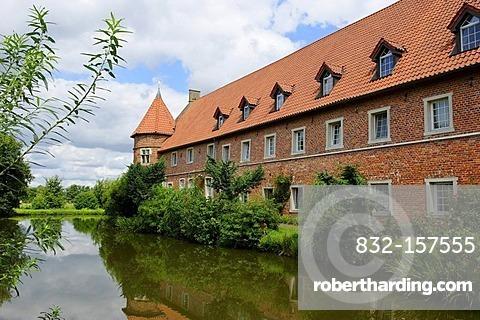Haus Voegeding moated castle, Muenster, North Rhine-Westphalia, Germany, Europe