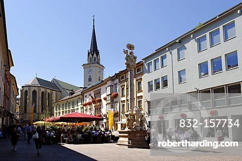 Main square, with church St. Jakob and plague column, Villach, Carinthia, Austria, Europe