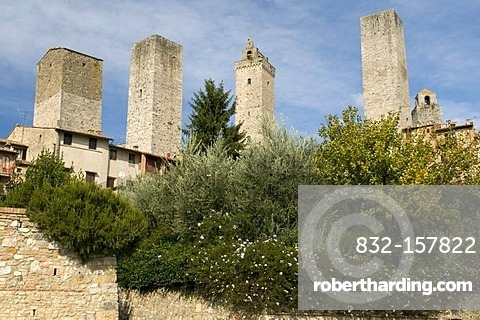 Residential towers and dynasty towers of San Gimignano, UNESCO World Heritage Site, Tuscany, Italy, Europe