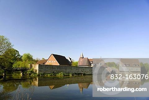 Burg Kakesbeck moated castle at Luedinghausen, Muensterland region, North Rhine-Westphalia, Germany, Europe