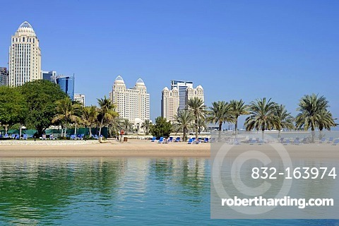Four Seasons Hotel, Moevenpick Hotel, Falcon and Pearl Towers, Doha Hilton Hotel, Doha, Emirate of Qatar, Middle East, Asia