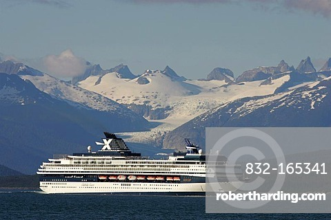 Mercury cruise ship of the Celebrity Cruises shipping company, in in Glacier Bay National Park, Alaska, USA
