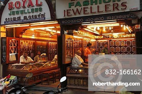 Jeweler's shops, Chalai Bazaar Road, Trivandrum, Thiruvananthapuram, Kerala state, India, Asia