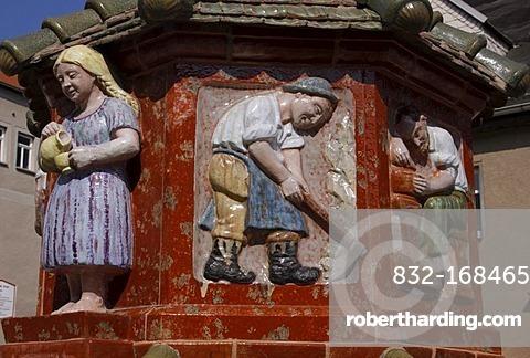 Toepferbrunnen potterers' fountain Kohren-Salis, Saxony, Germany, Europe