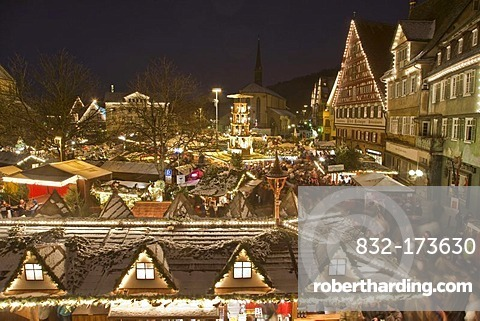 Christmas market on the market square, market stalls, winter, snow, Esslingen, Baden-Wuerttemberg, Germany, Europe