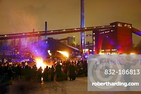 Bonfire against the backdrop of the Kokerei Zollverein coking plant, with different light and fire installations at the GlueckAuf2010 cultural festival at the start of the European Capital of Culture year, on the site of the Zeche Zollverein mine and coki