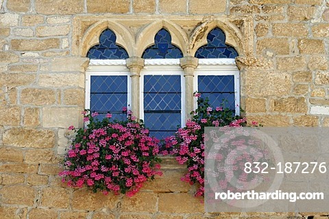 Paladian windows with flowers, Domme fortress, Dordogne, Aquitaine, France, Europe