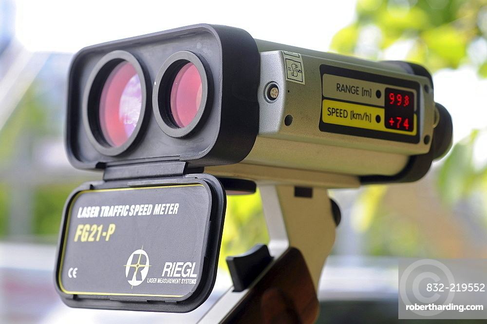 Velocimetry, velocity measurement with a laser gun, RIEGEL FG21-P