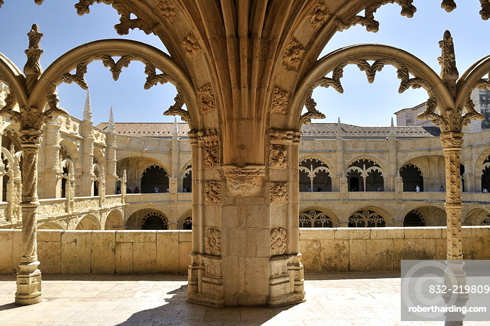 Ornate arches in the two-storeyed cloister of the Hieronymites Monastery, Mosteiro dos Jeronimos, UNESCO World Heritage Site, Manueline style, Portuguese late-Gothic, Belem, Lisbon, Portugal, Europe