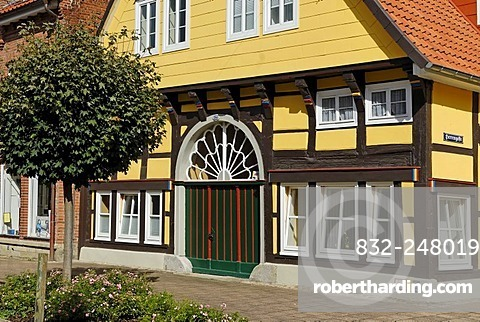 Half-timbered house, historic town centre, Rinteln, Lower Saxony, Germany, Europe