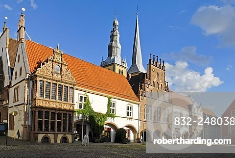 Town Hall in front of the Parish Church of Saint Nicolai, Lemgo, North Rhine-Westphalia, Germany, Europe
