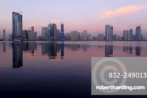 Skyline and corniche of Sharjah City, Emirate of Sharjah, United Arab Emirates, Arabia, Middle East