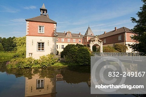 Dankern Castle, water castle with a moat, Haren, Emsland, Lower Saxony, Germany, Europe