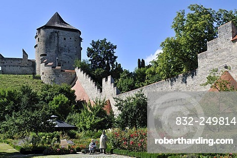 Castle wall and watch tower, Burghausen Castle, Upper Bavaria, Bavaria, Germany, Europe