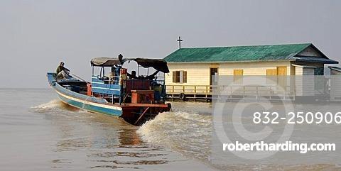 Floating village, Tonle Sap Lake, Siem Reap, Cambodia, South Asia