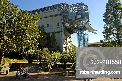 The glass elephant by Horst Rellecke with visitors, former mine Maximilian, Maximilianpark, Hamm, North Rhine Westphalia,