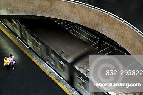 Departure of an Underground (Metro) at Praca da Se station, Sao Paulo, Brasil