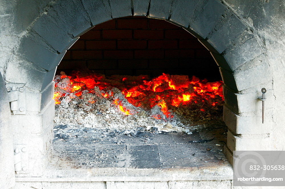 Glow in the baking oven, Bavarian Forest, Bavaria, Germany
