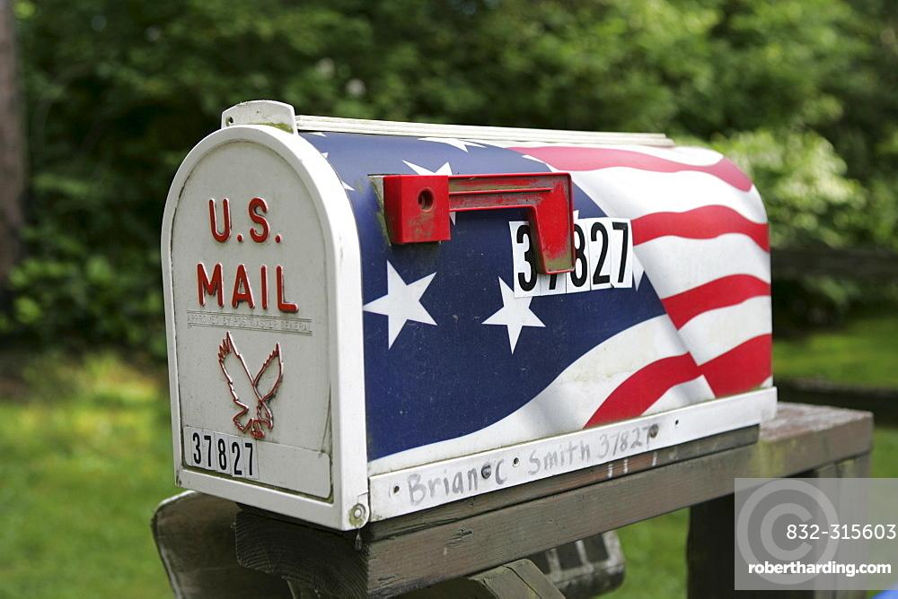 Typical American mailbox, stars and stripes, Washington, USA, North America
