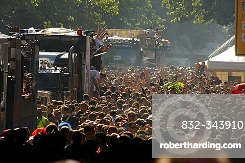 Crowds and floats during the Highway to Love 2008 Love Parade in Dortmund, North Rhine-Westphalia, Germany, Europe