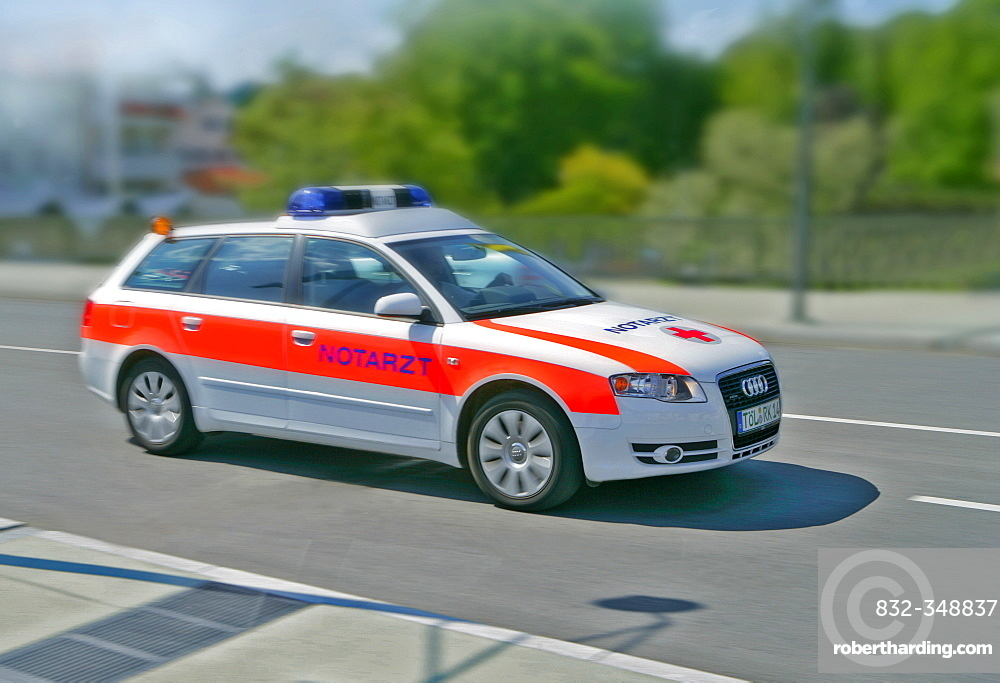 Emergency car in action