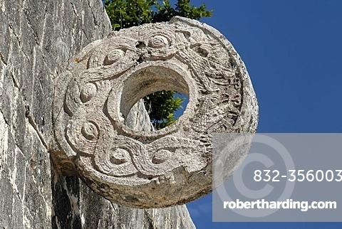 Juego de Pelota, ball court, Maya and Toltek archeological site Chichen Itza, new worldwonder, Yucatan, Mexico