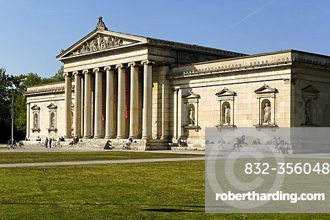 Glyptothek at Koenigsplatz, Munich, Bavaria, Germany