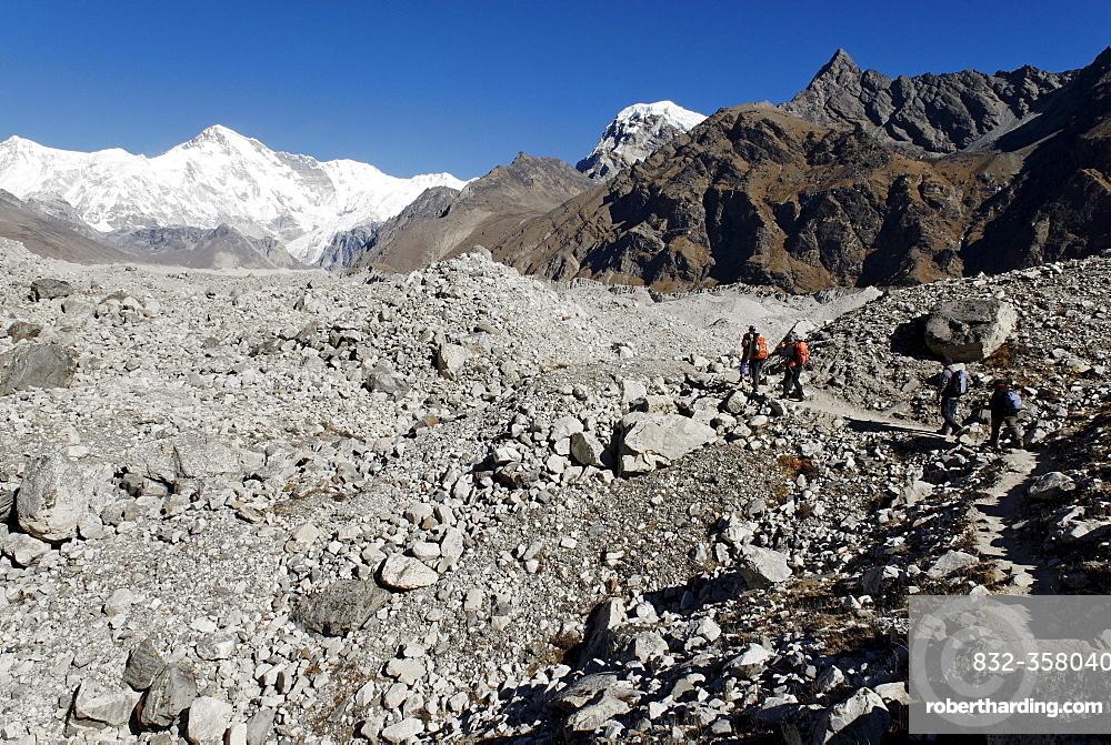 Ngozumpa glacier with Cho Oyu (8201), Khumbu Himal, Sagarmatha National Park, Nepal