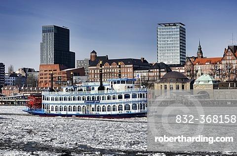 MS Louisiana Star, paddle wheel steamer, in the wintry Port of Hamburg, Hamburg, Germany, Europe