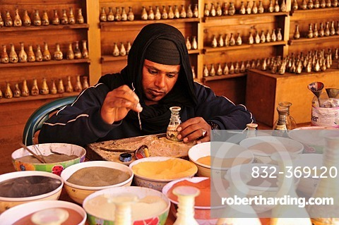 Craftsman in the Nabataean city of Petra, Unesco World Heritage Site, near Wadi Musa, Jordan, Middle East, Orient