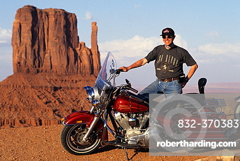 USA, United States of America, Arizona: Monument Valley, giant rock monoliths in the Navaho indian reservation.