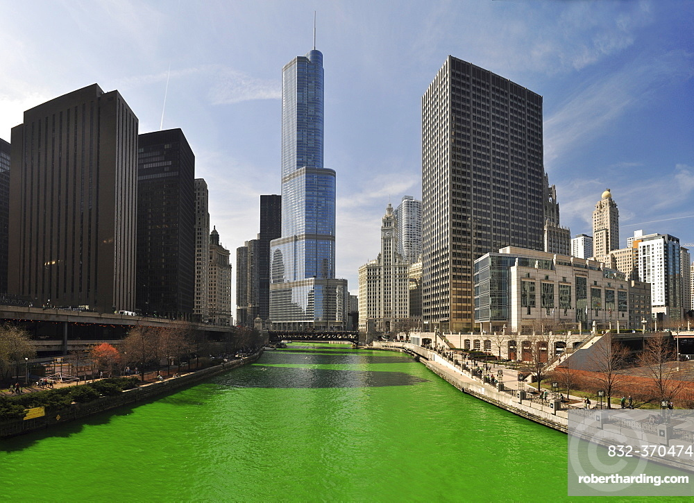 Chicago River dyed green on Saint Patrick's Day, Chicago, Illinois, USA