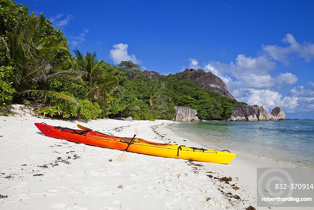 Kayak, Source d'Argent, La Digue, Seychelles, Africa, Indian Ocean